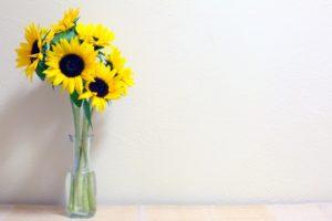 ガラス花瓶のひまわり