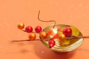 金杯に木の実