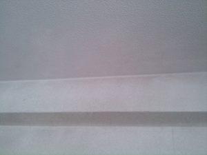 シミが落ちた天井と壁