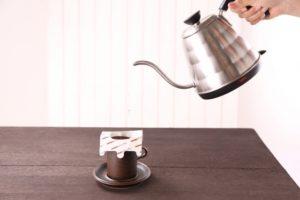 コーヒーを淹れる