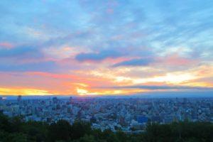 夜明け前の札幌市内